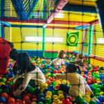 Piscina de bolas para fiestas infantiles