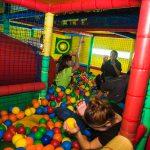 piscina de bolas - fiestas para adultos