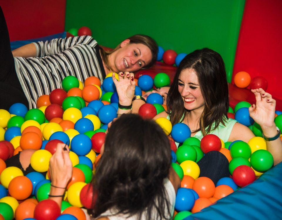 Piscina de bolas para adultos