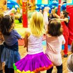 niños bailando - actividades